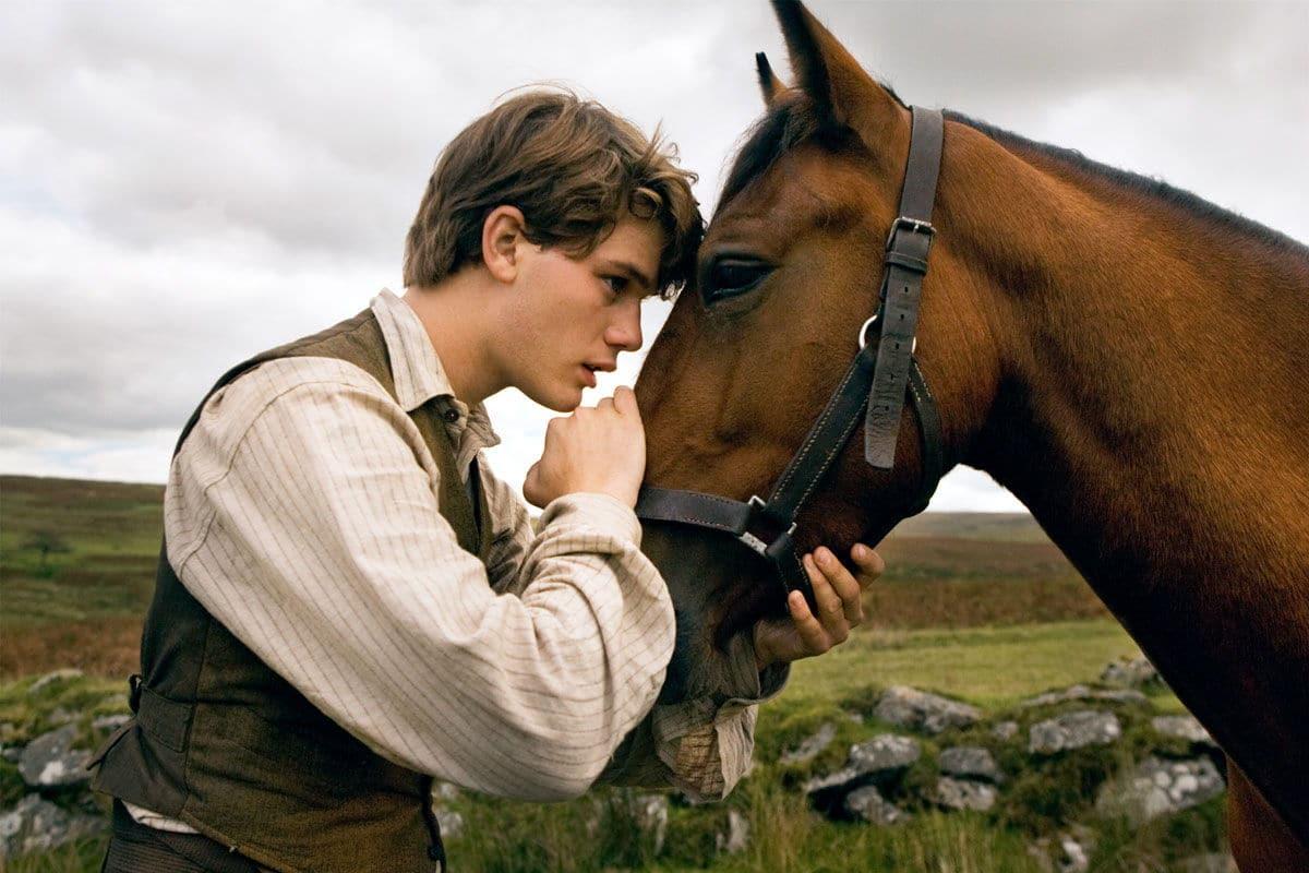 http://oblikon.net/wp-content/uploads/cheval-de-guerre-war-horse.jpg