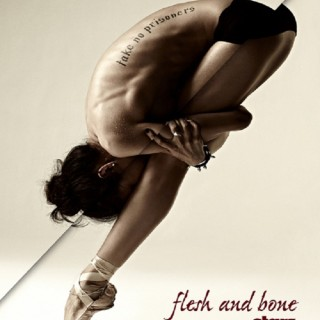 Critique de Flesh and Bone