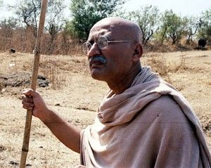 Gandhi ben kingsley