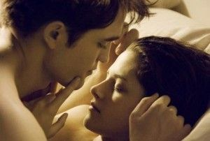 PHOTO-Twilight-4-premiere-image-de-Bella-et-Edward-nus-reactualisee_image_article_paysage_new