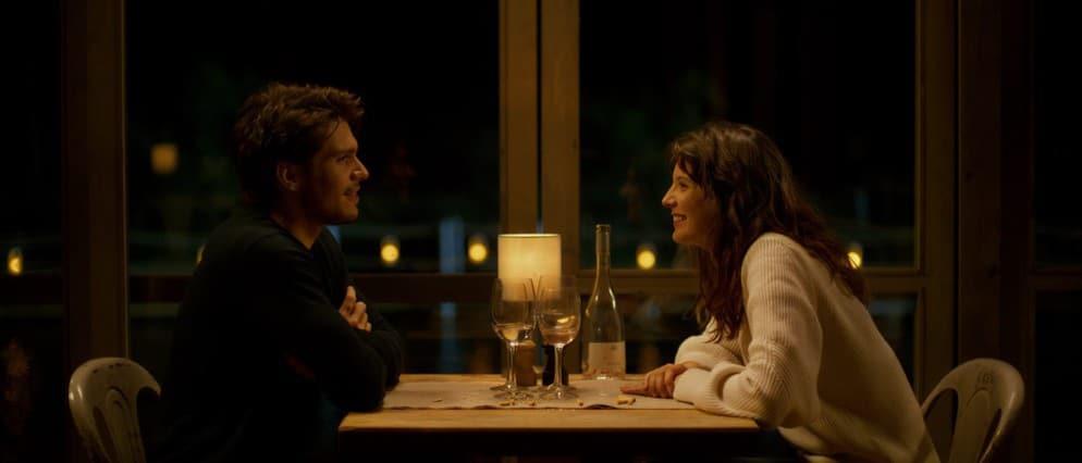 Raphael et Olivia au restaurant.