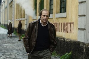 la-taupe-2012-mark-strong