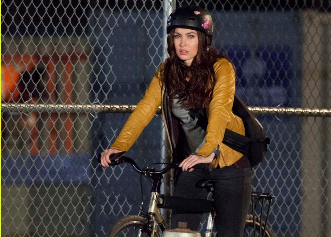 Megan Fox a vélo
