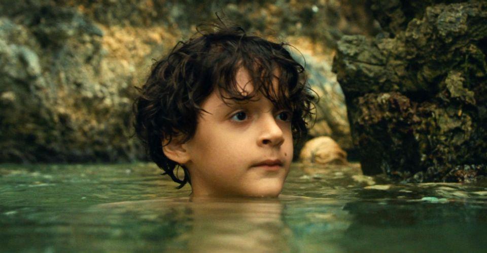 Un enfant dans l'eau