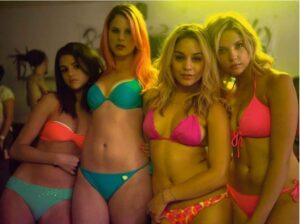 Les filles de SpringBreakers en bikini