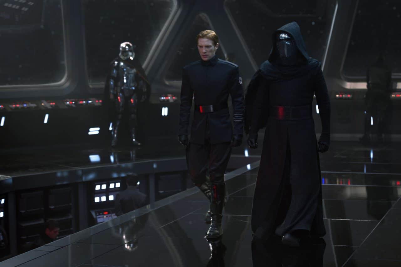 Star Wars: Commander 5.1.0 - Descargar para iPhone Gratis